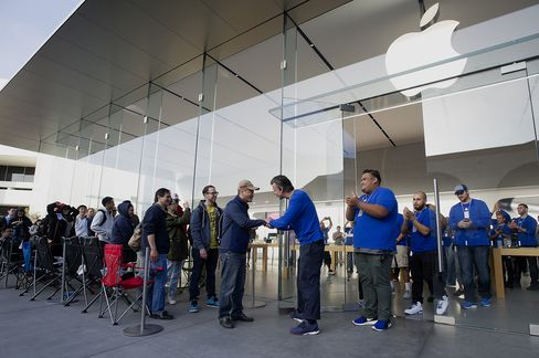 Apple iPhone 6 Sales Launch
