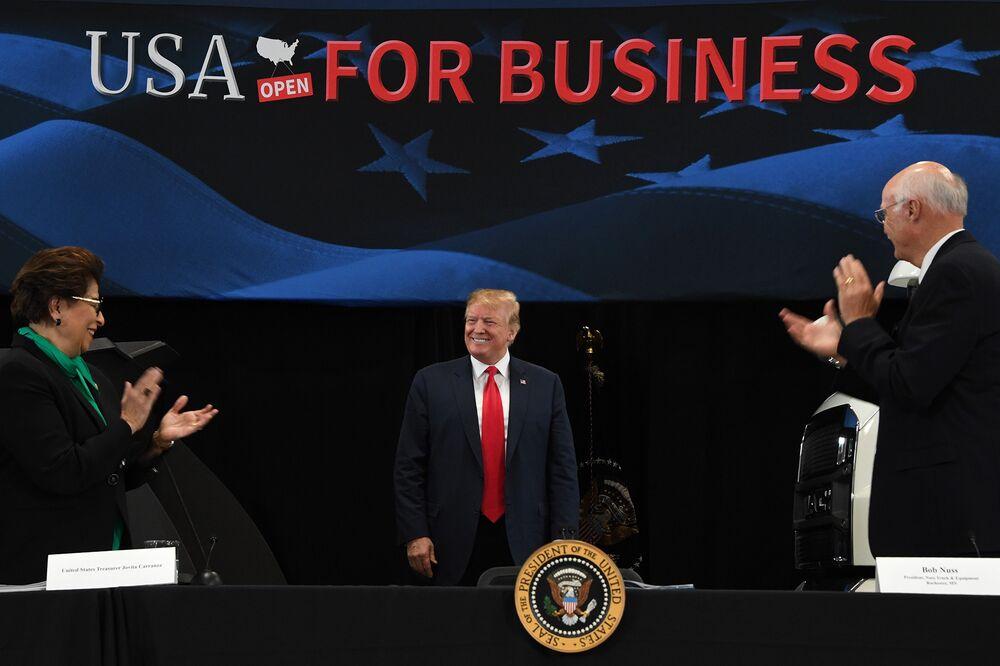 Trump Touts Tax Cuts in Minnesota, Seeking to Sway Public Opinion