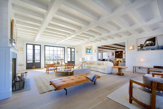 A Power Couple Resurrects a $28.5 Million Hamptons Mansion Near the Beach