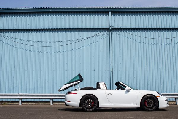 The Porsche 911 Targa 4 Gts Is A Standout Among Champions Bloomberg