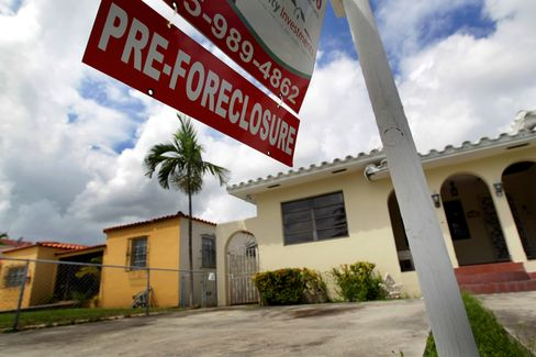 Florida Defies Housing Rebound as Foreclosures Soar: Mortgages