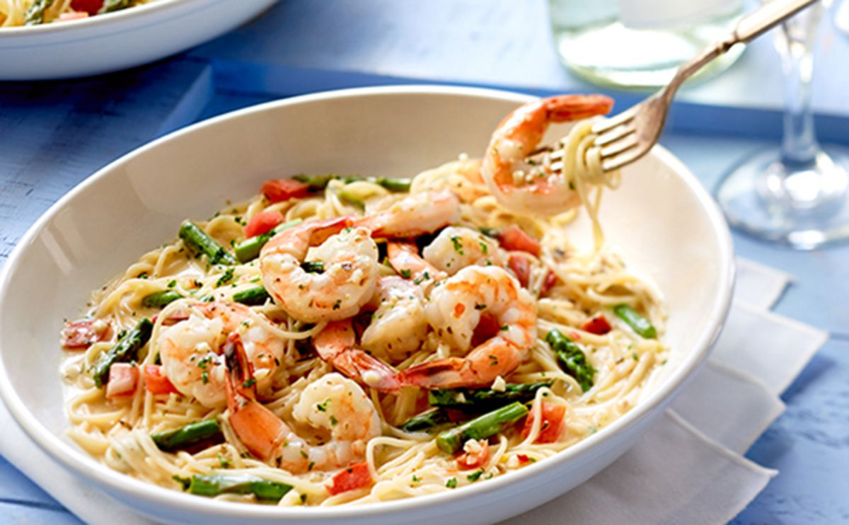 The Olive Garden Is Building Its Comeback Around Shrimp Scampi   Bloomberg