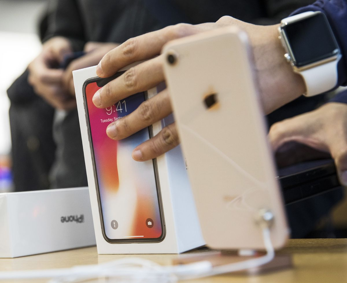 Apple Plans to Cut Back on Hiring Due to iPhone Sales Struggles