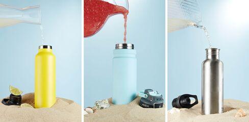 ビーチでおいしくカクテルを飲むには高機能ステンレス製ボトルが不可欠