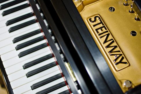 How Steinway Orchestrated a Bidding War