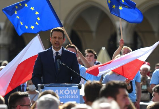 Polish Leader Casts Gays as Enemy in Bid to Revive Campaign