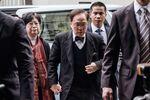 高等法院に着いた曽被告(20日)