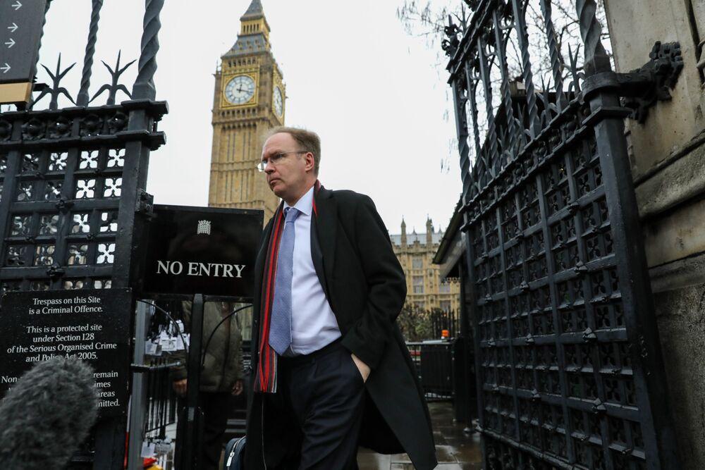 Lying Politicians Leading U.K. to No-Deal Brexit, Ex-Envoy Says