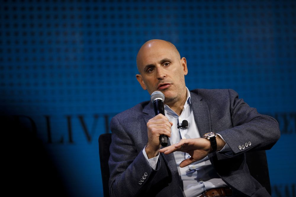Walmart Wmt Digital Chief Marc Lore To Step Down At End Of Month Bloomberg