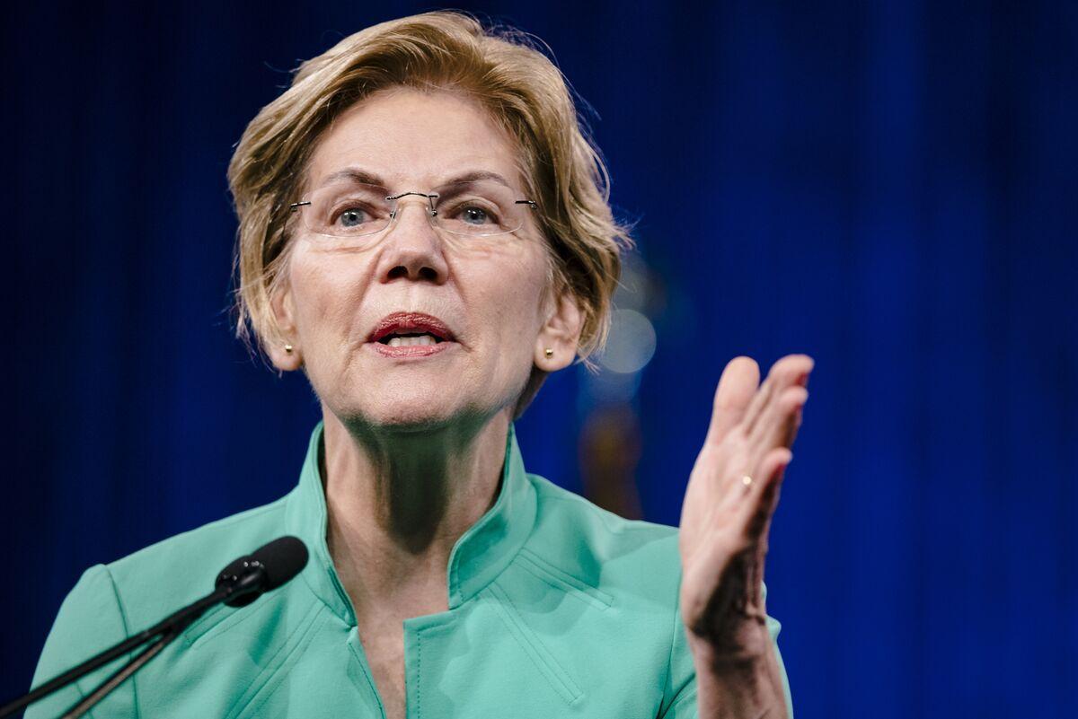 Elizabeth Warren Draws Record Crowd of 15,000 in Seattle