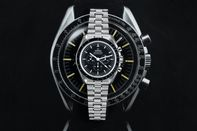 relates to The Complete Buyer's Guide to the New Omega Speedmaster