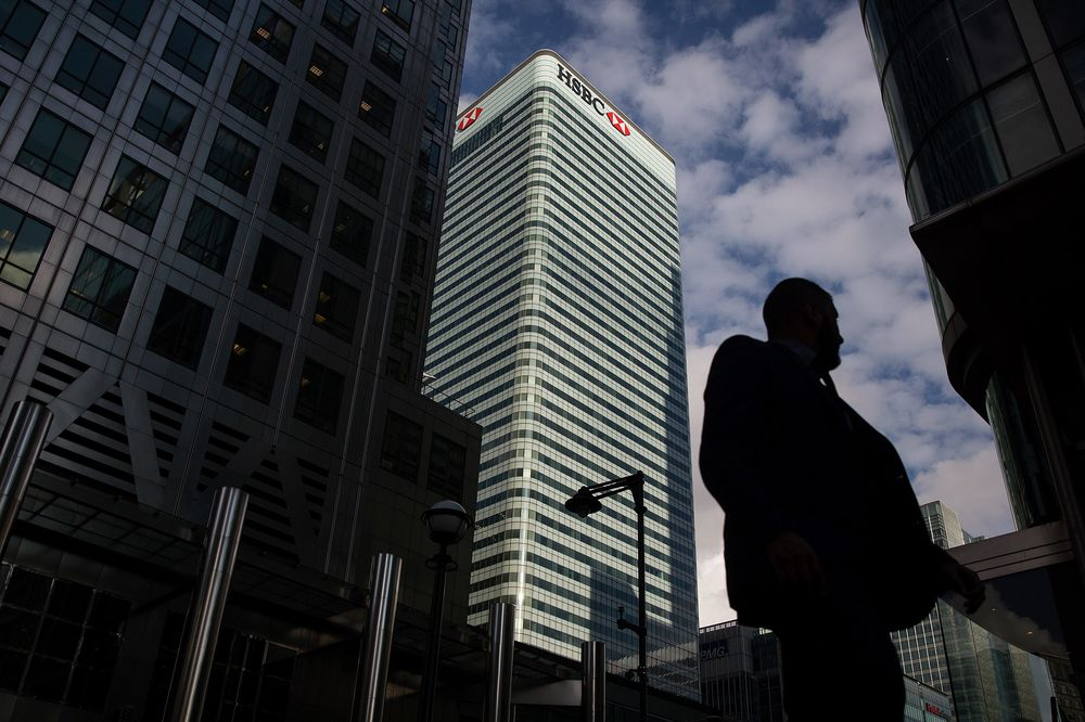 HSBC Board Said to Meet Sunday to Mull Headquarters Decision - Bloomberg