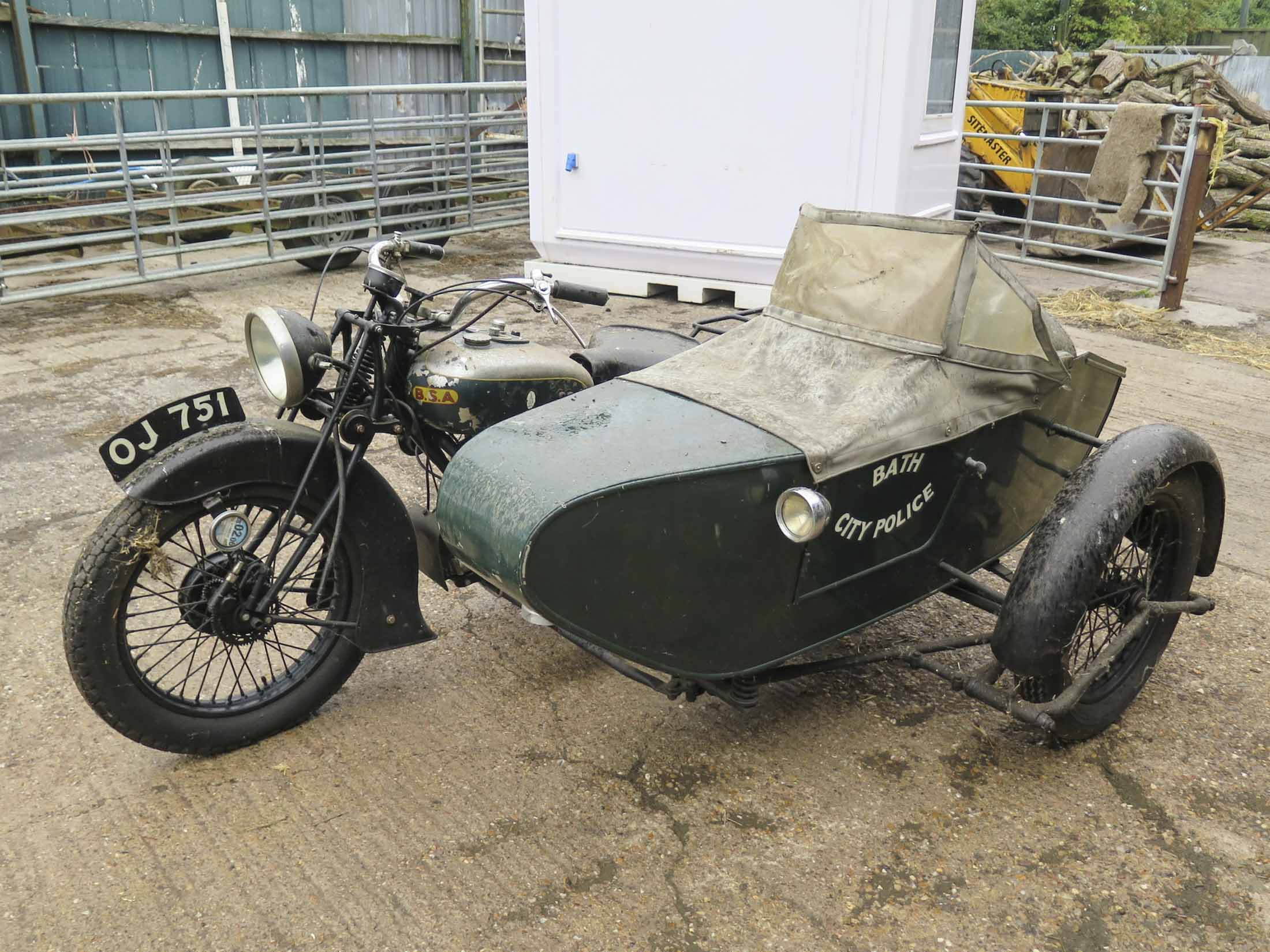 sidecar motorcycle sidecars motorcycles barn motorbike bike bsa motorbikes classic found 1932 four police gloucestershire entering go brough outfits social