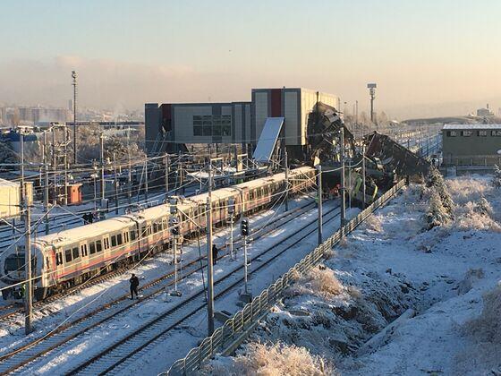 Turkish Train Crash Leaves Seven People Dead, Hurting Dozens