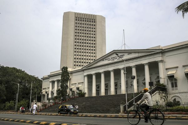 Biggest Mumbai Power Outage in Decades Hits Trading Volume