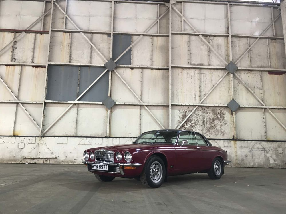Driving A Vintage Jaguar Xj History Style And The Latest Specs