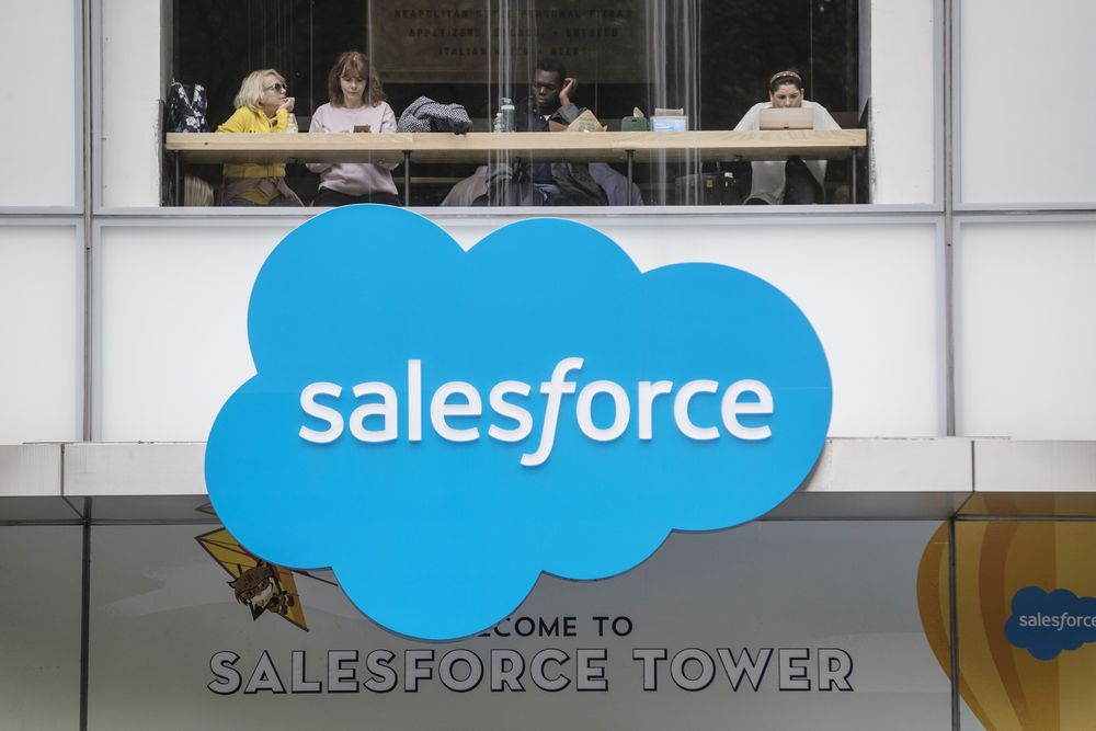 Salesforce to Buy Tableau for $15.3 Billion in Analytics Push