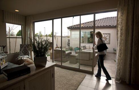Phoenix Housing Rises as Canada Buyers Seek 55% Desert