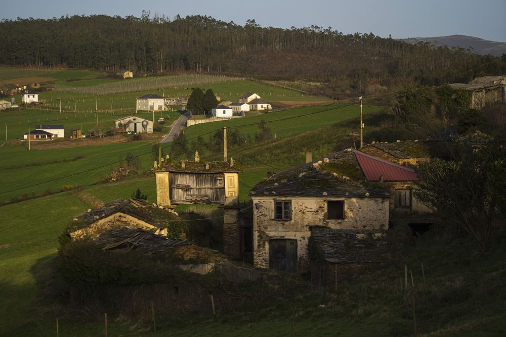 Ghost Villages Are for Sale in Spain - Bloomberg