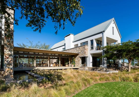 A 1,200-Acre South African Nature Preserve Offers Safari Living