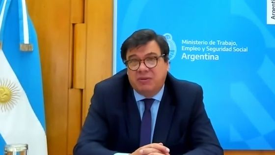 Argentina Mulls Incentives for Job Growth, Labor Minister Says