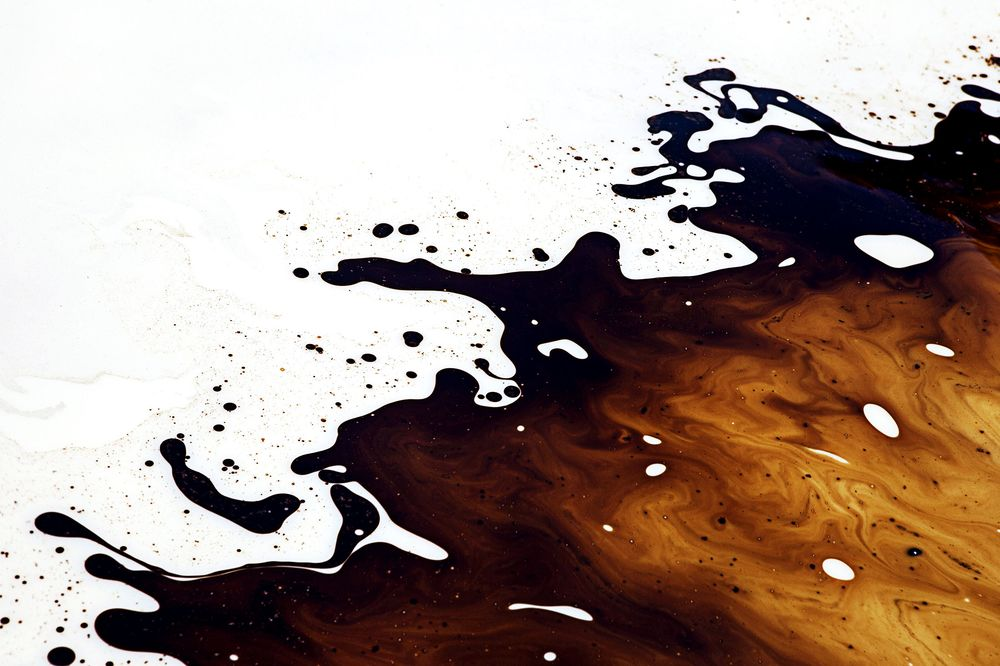 Oil Traders Scrape Bottom of the Barrel to Seek Out New