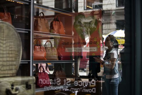 Consumer Confidence in U.S. Rises to Highest Since February 2008