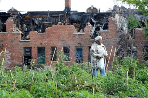 Foodies Fight to Save Detroit With Job Hopes Pinned on Arugula