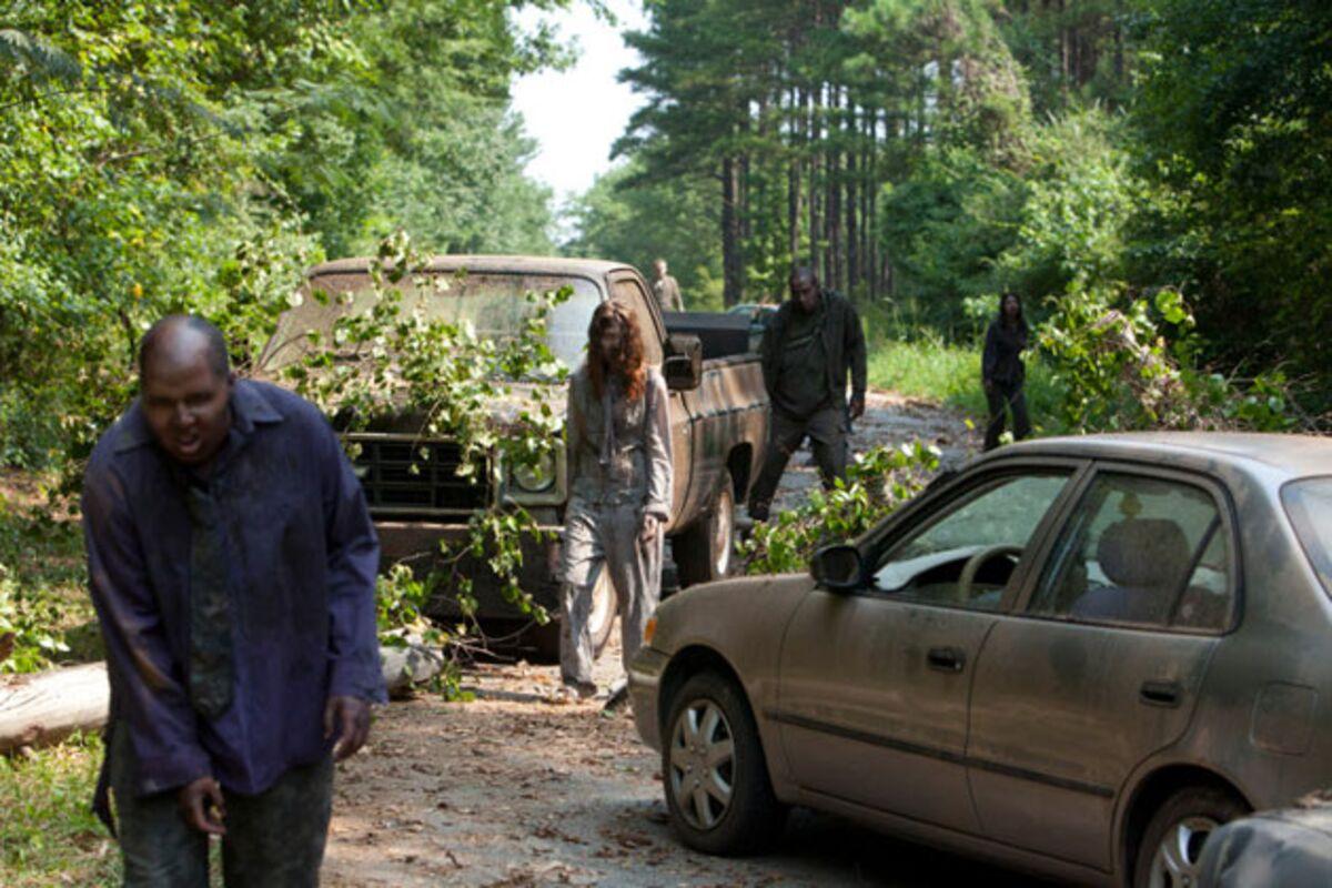 How to Walk Like a Zombie, by 'Walking Dead' Producer Greg Nicotero