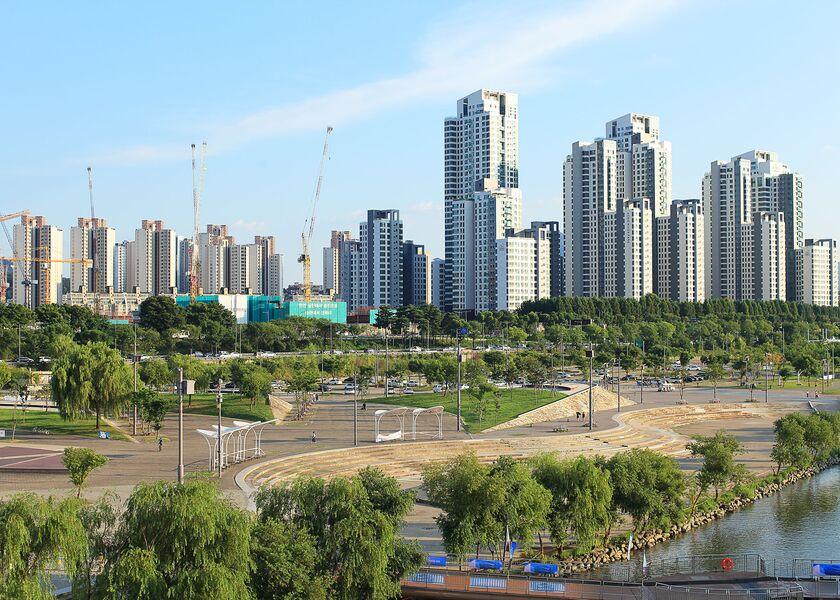 relates to Soaring Home Prices Stoke Anger Against Korea's President