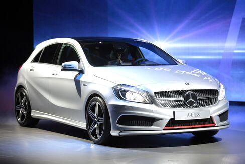 BMW-Mercedes Hatchbacks Head for India After China Flop
