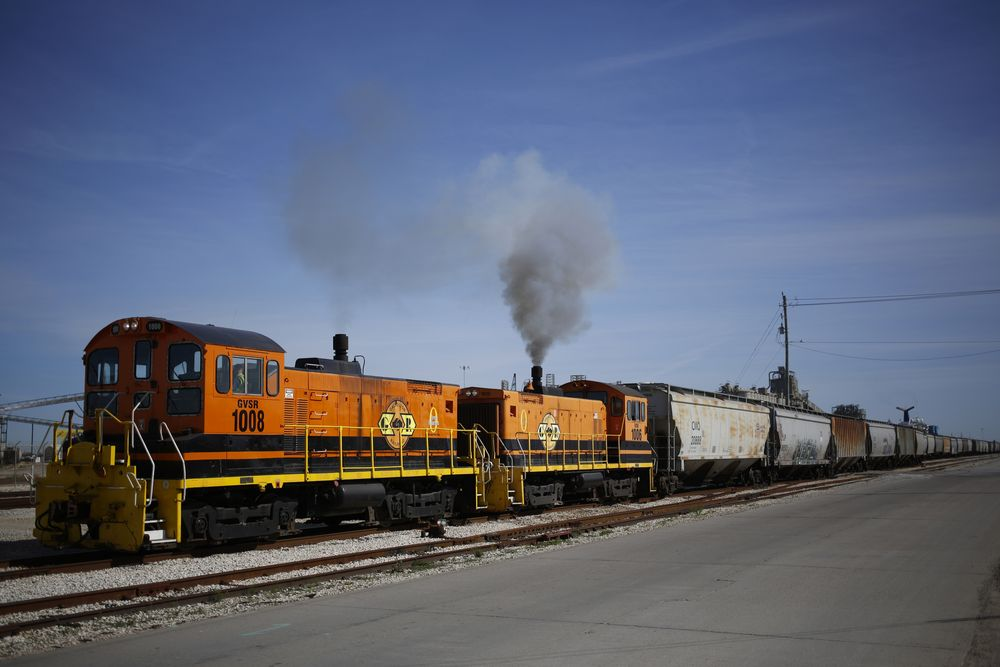 Brookfield, Blackstone Are Among Bidders for Genesee & Wyoming