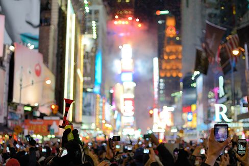 How to Keep New Year's Resolutions: Make Them in August