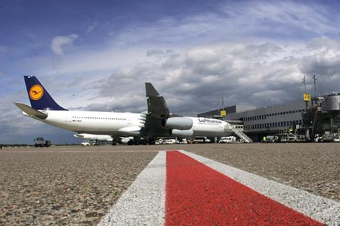 How 70 Gas-Guzzling Jets Are Killing Lufthansa