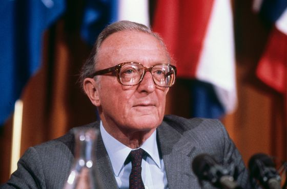 Lord Carrington, Churchill's Last Surviving Minister, Dies