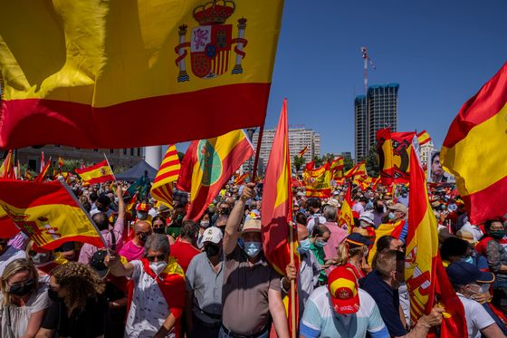 Spain Business Groups Support Pardons for Jailed Catalan Leaders