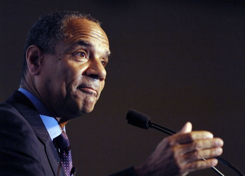 AmEx's Chenault Said to Be Discussed at White House for Treasury