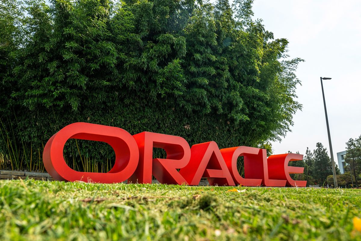 bloomberg.com - Nico Grant - Oracle Boosts Cloud Ambitions With Help From TikTok and Trump
