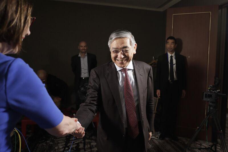 【日銀】黒田総裁「さらに大規模な緩和を行うことができる」→円安に