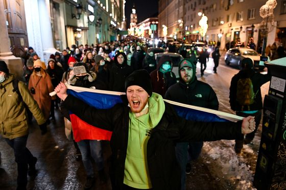 Putin's Crackdown Chills Protests That Threaten Two-Decade Rule