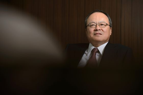 CEOs Criticize Japan's Slow Vaccine Push, Saying Growth at Risk