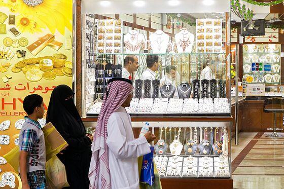Silver's Reddit-Fueled Surge Pains Dealers in Dubai's Souks