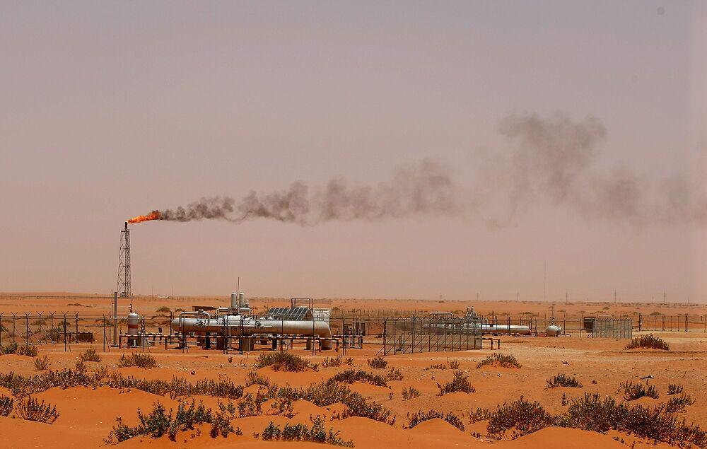 Aramco-Sabic Deal Weakens Saudi Hedge Against Falling Oil