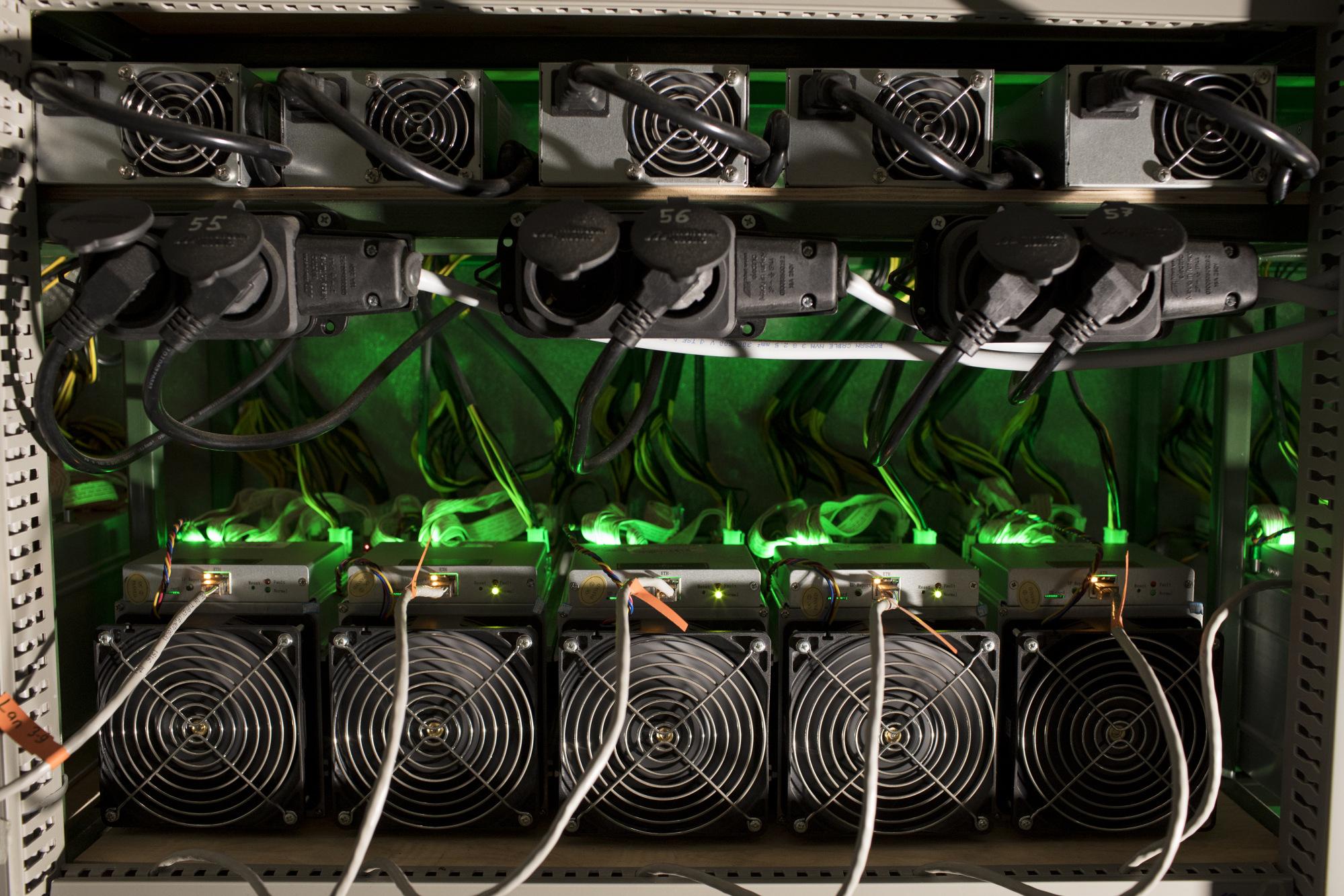 Tamsioji kriptovaliutų pusė, arba Ką nutyli jos šalininkai Kaip Bitkoinas veikia?