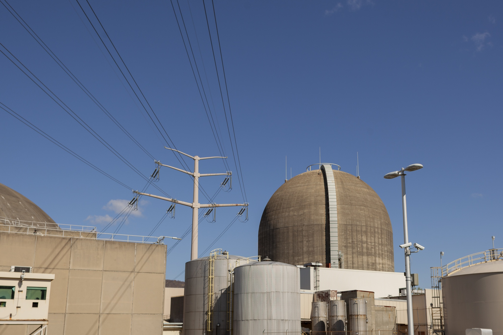 relates to As Indian Point Goes Dark, New York Races to Swap Nuclear With Wind