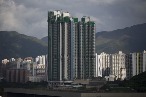 HSBC Boosts Mortgage Rates as Hong Kong Cools Property Market