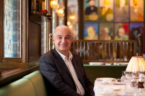 Fernando Peire, the restaurant director, is used to handling the celebrities who fill the restaurant.
