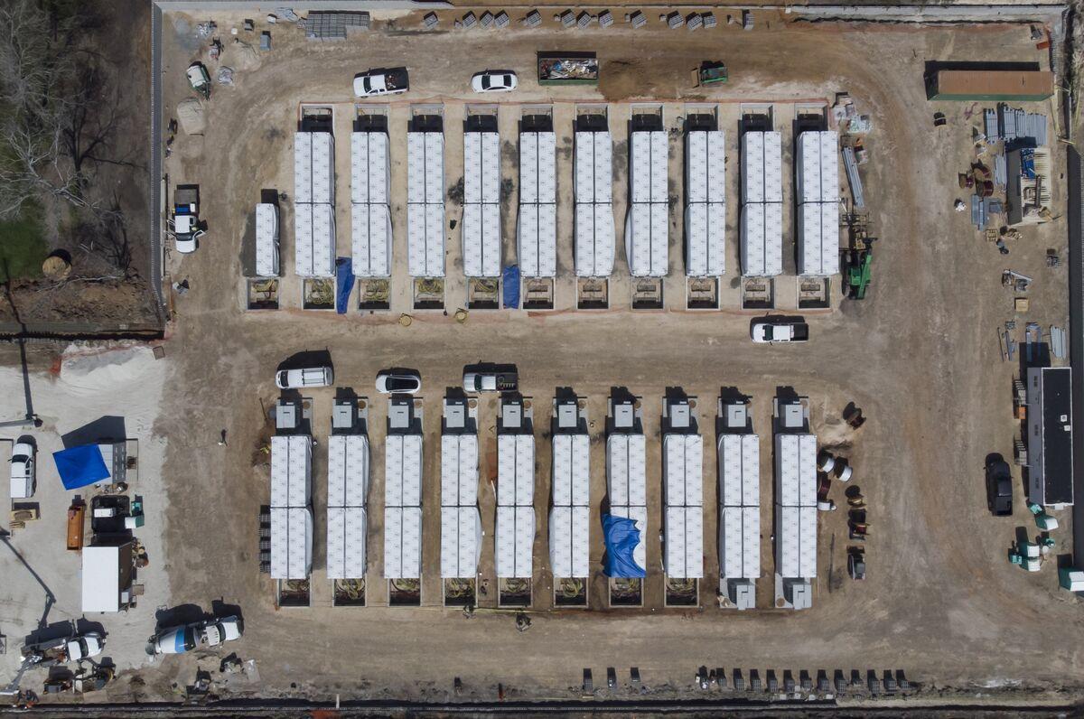 Tesla (TSLA) Is Plugging a Secret Mega-Battery Into the Texas Grid -  Bloomberg