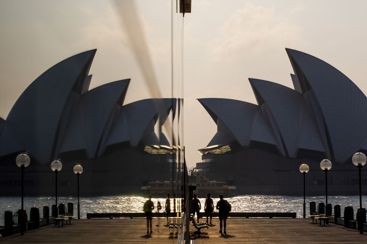 RBA Weighed Policy Easing, Opted to Assess Past Cuts' Impact