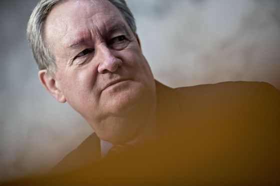 Fannie-Freddie Overhaul Plan in Senate Falls Flat on Wall Street